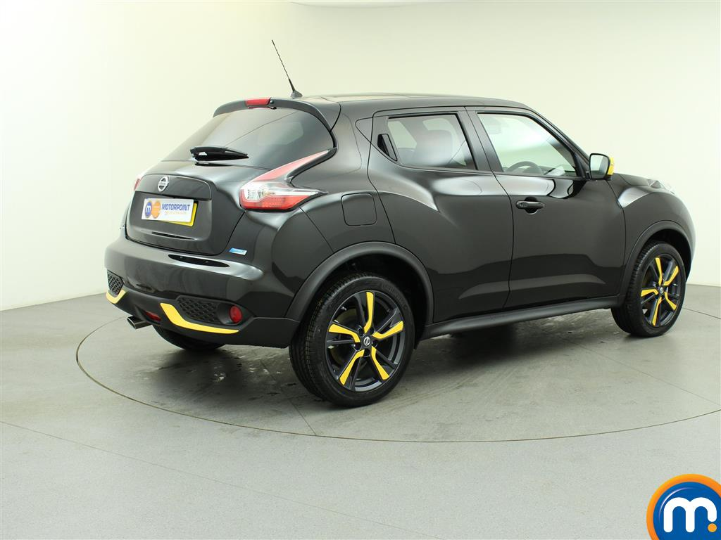 used or nearly new nissan juke 1 5 dci tekna 5dr exterior plus pack black for sale in burnley. Black Bedroom Furniture Sets. Home Design Ideas