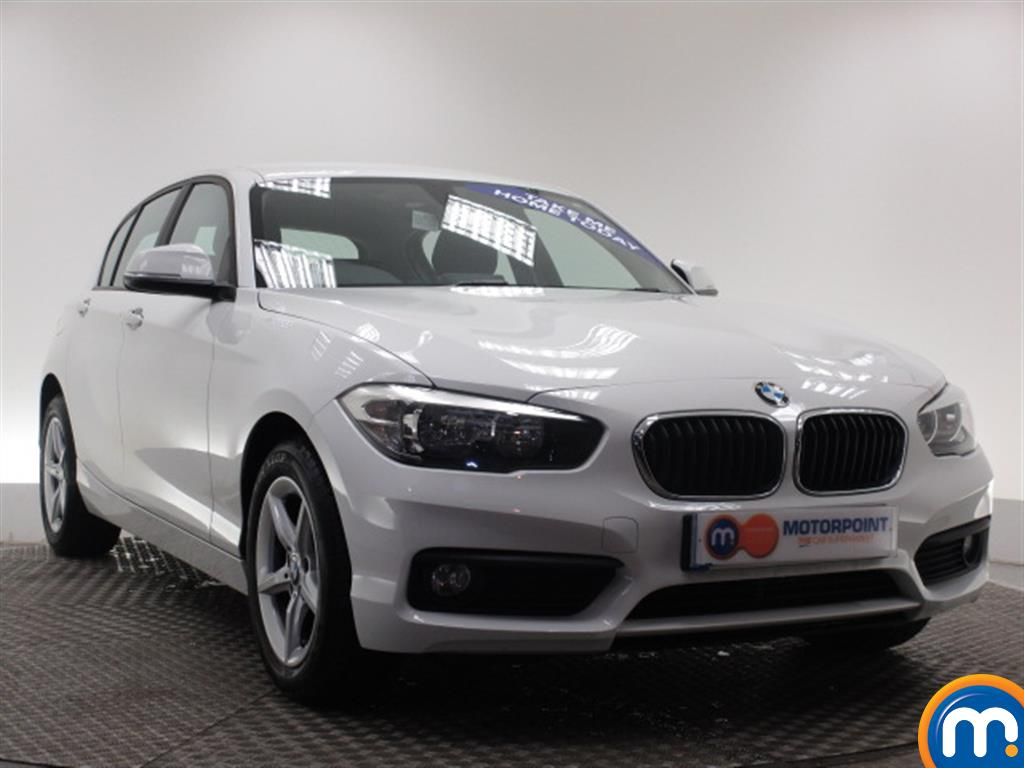 used or nearly new bmw 1 series 116d se 5dr nav dcp new model alpine white for sale in. Black Bedroom Furniture Sets. Home Design Ideas