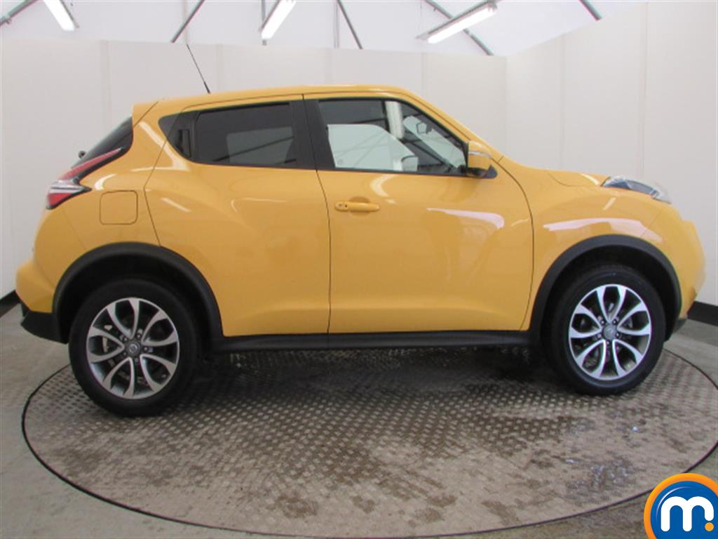 used or nearly new nissan juke 1 5 dci tekna 5dr yellow for sale in widnes motorpoint. Black Bedroom Furniture Sets. Home Design Ideas