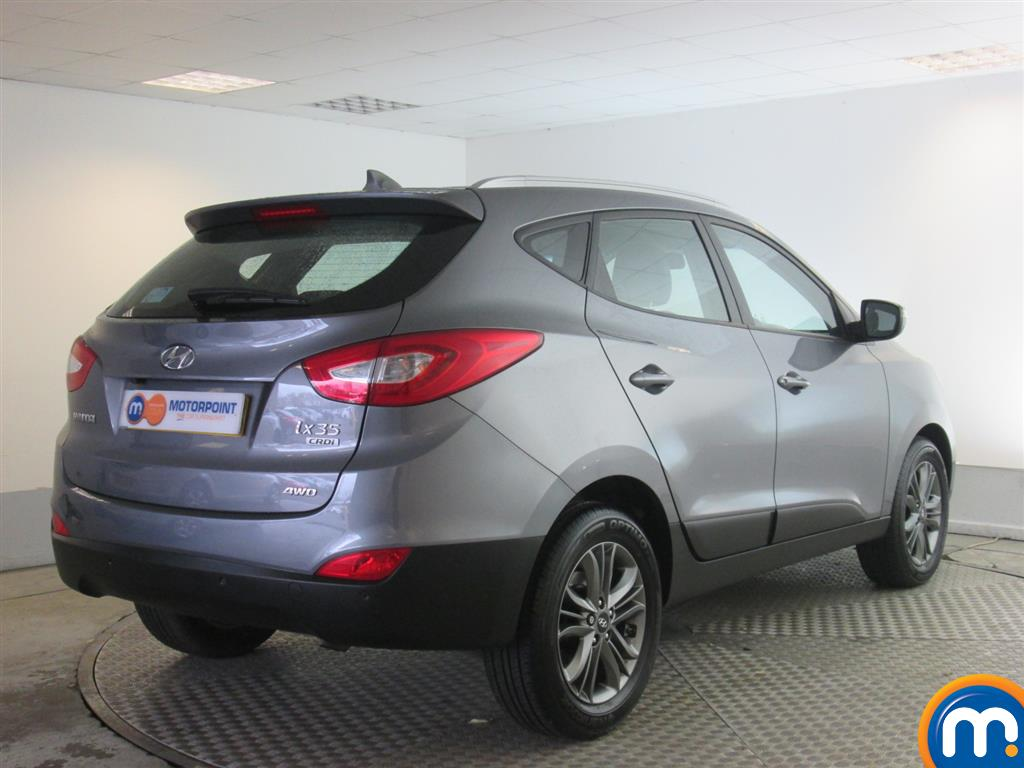 used or nearly new hyundai ix35 2 0 crdi se nav 5dr 4wd silver for sale in newport motorpoint. Black Bedroom Furniture Sets. Home Design Ideas