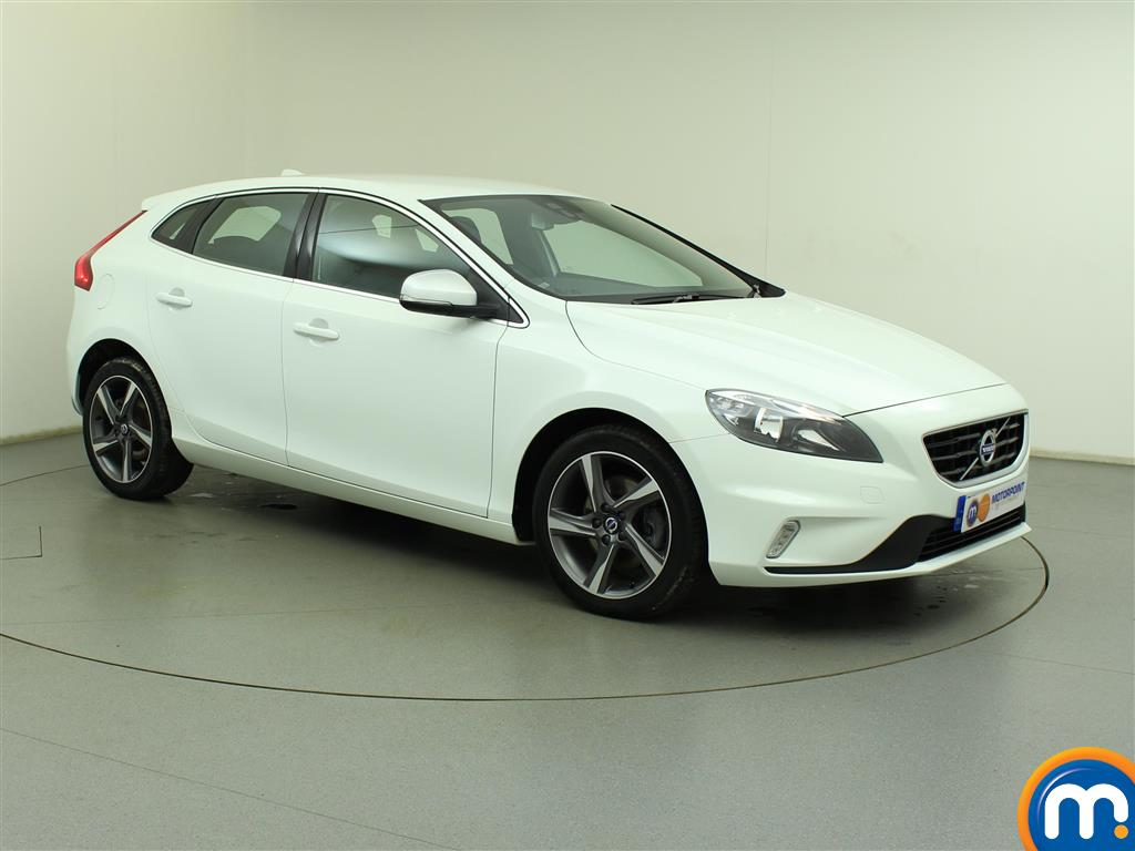 used or nearly new volvo v40 d2 120 r design 5dr white for sale in birtley motorpoint. Black Bedroom Furniture Sets. Home Design Ideas