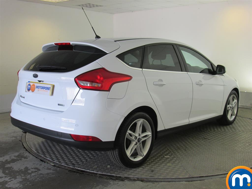 used or nearly new ford focus 1 0 ecoboost 125 zetec navigation 5dr ap rvc frozen white for. Black Bedroom Furniture Sets. Home Design Ideas