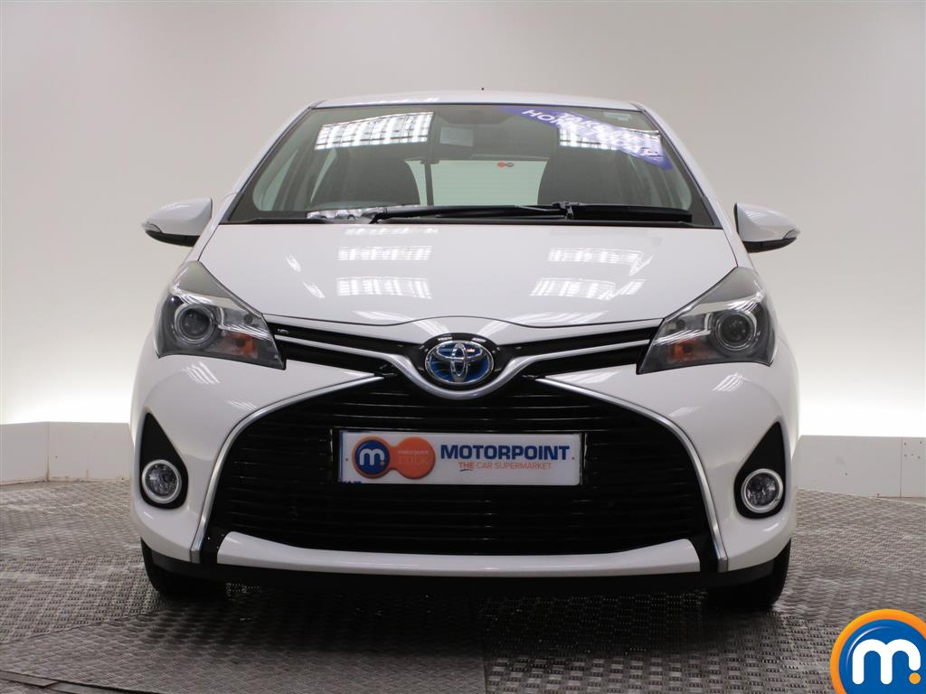 used or nearly new toyota yaris 1 5 hybrid icon 5dr cvt pure white for sale in burnley motorpoint. Black Bedroom Furniture Sets. Home Design Ideas