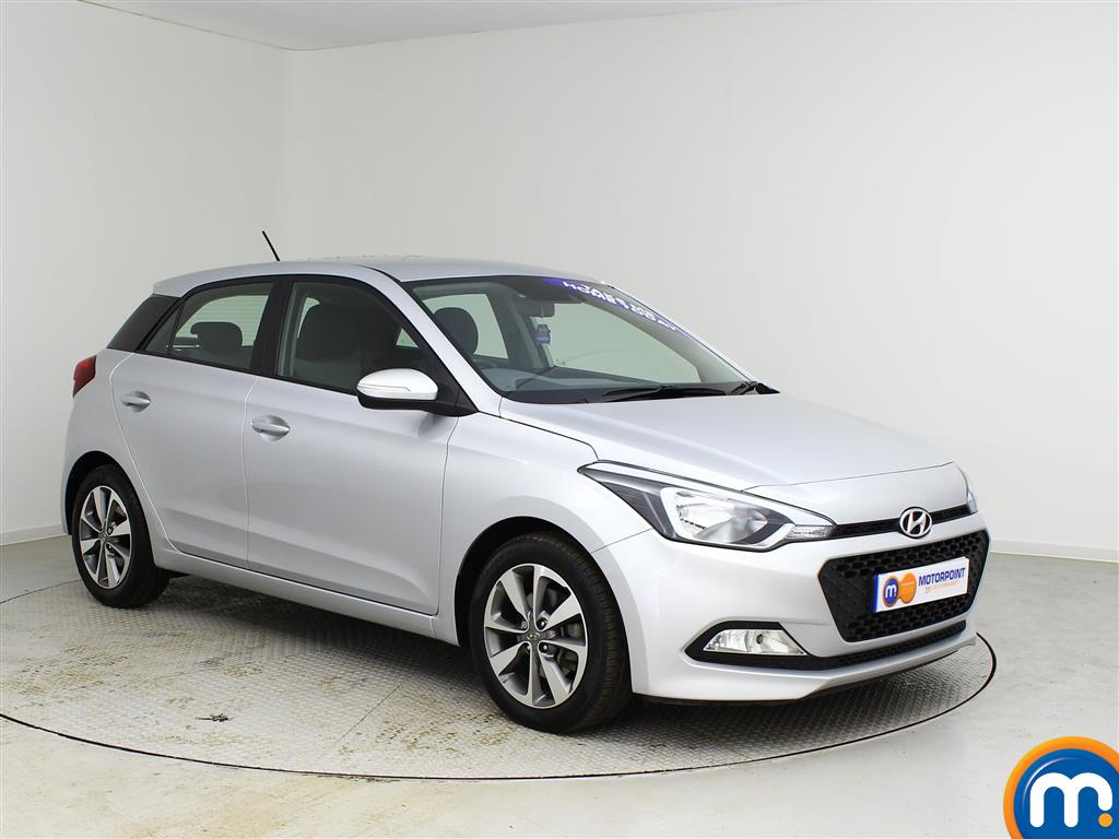 used or nearly new hyundai i20 1 4 crdi se 5dr silver for sale in castleford motorpoint. Black Bedroom Furniture Sets. Home Design Ideas